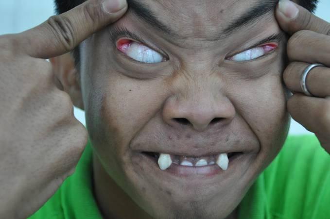 Believe Or Not Manusia VAMPIR ternyata benar2 ada di Indonesia Kalau anda percaya berikan WOW nya
