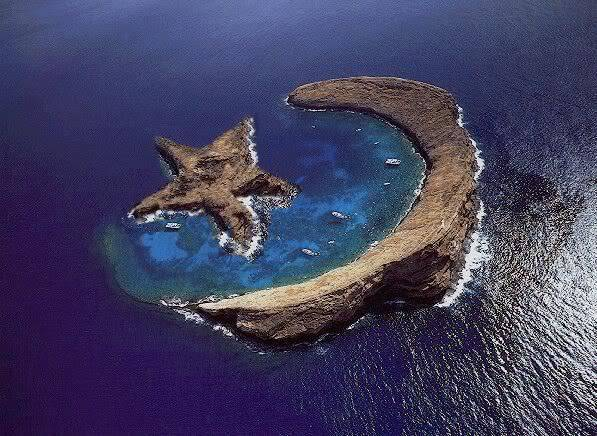 pulau bulan bintang!!! nama pulaunya The Moon and Star on Earth WOW ^_^v ^_^v
