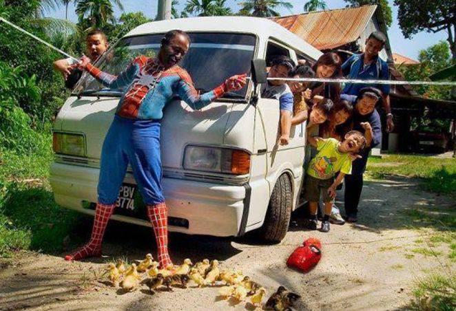 Spider Man Save Duck :D