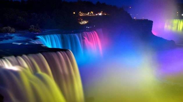 Cantiknya Fenomena Pertunjukan Cahaya Alami Air Terjun Niagara #WOWnya Yaaaaa!