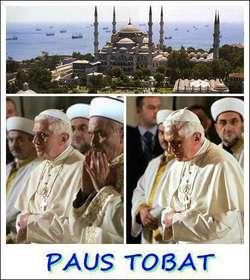 WAAHH.. Penampakan Paus Benediktus XVI Lagi Sholat ... ISTANBUL, Turki (SSP) - Untuk pertama kalinya Paus Benediktus XVI berkunjung ke Masjid Biru yang terkenal di Istanbul. Paus berdiri sholat di samping Mustafa Cagrici, mufti agung Istanbul.