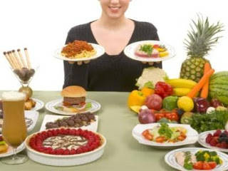 Kelebihan berat badan dapat menaikkan tekanan darah seseorang dan menyebabkan stroke dan penyakit jantung, bersama-sama, kedua kondisi bertanggung jawab atas seperempat dari seluruh kematian. Dan masalahnya tidak terbatas ke barat - Timur Teng