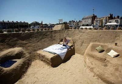 wow hotel terbuati dari pasir...,di saudi arabia...keren kan