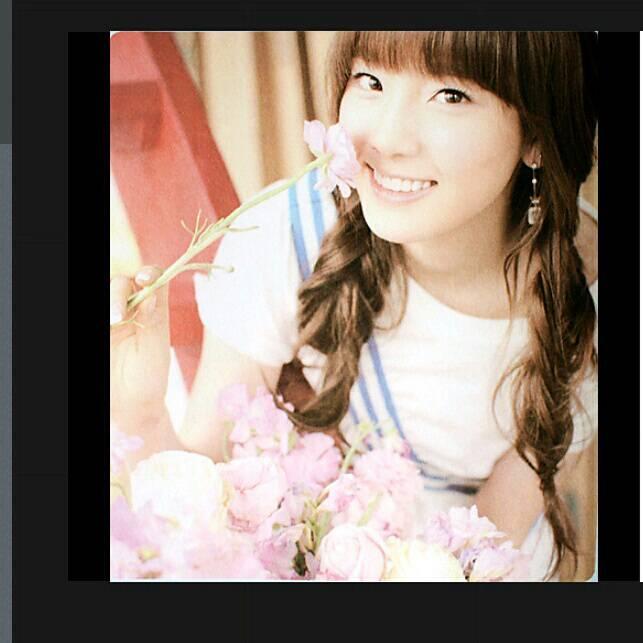 Taeyeon tanpa make up Yg bilang cantik klik WOWnya yeah ??