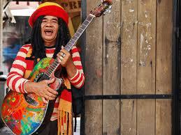 HAYOOO masih ingatkah dengan musisi yg hampir legend. ini..... wow