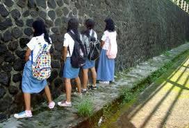 INI adalah hal yg memalukan bagi anak sekolahan, GAWAT....... wow...