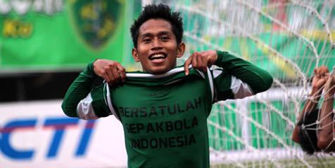 bersatulah sepak bola indonesia, mudah apa yang di ingin andik vermansyah bisa jadi kenyataan KPSI DAN PSSI bisa bersatu. bagi yang juga setuju please WOOOOOOOOwnya dongggggg,,,,