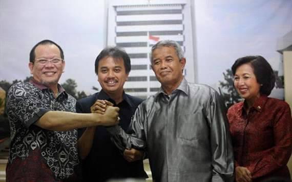 DAMAI itu indah,, KPSI AND PSSI Please peace for indonesia,