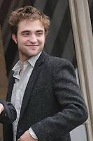 Pattinson dilahirkan di London, Inggris pada tanggal 13 Mei 1986. Ibunya yang bernama Clare bekerja untuk sebuah agensi modeling, dan ayahnya, Richard mengimport mobil-mobil antik dari US. Robert Pattinson terlibat dalam sebuah teate amatir ya