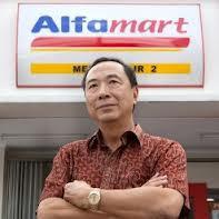 djoko susilo sang boss Alfa Mart,kekayaannya melebihi ABURIEZAL BAKRIE! liat redaksi nya dikomenan y :)