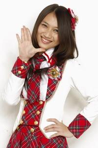 Yang oshimen JKT48 nya melody, jangan lupa WOW nya. :)