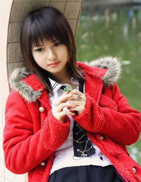 hayyooo ,,, ni cowok lho . yg jantan dilarang naksir yak ,,, Kiyoshi sakurazuka , dy dinobatkan sbg pria tercantik di dunia .