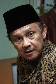 1. Kesalah Besar Indonesia Menolak BJ Habiebie Sbg Presiden lagi Sayang Bgt yaa !! padahal Kan bapak Genius ini :D Wow Donk
