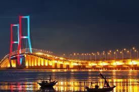 Jadi Org Indonesia Harus Bangga Punya Jembatan Terpanjanf di ASIA Tenggara *Suramadu* Klo bangga Klik WOW donk