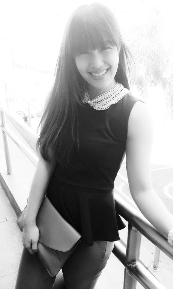 ini dia yang mirip dengan Tiffany SNSD namanya Roxie Almeida .sama sama cantik yaa sama tiffany .wow dulu dong! =D
