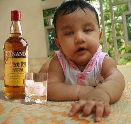 Adah bayi mabok, Foto ini akan berubah jika kamu klik WOW