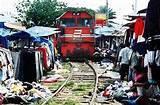 Beginilah keadaan Rel Kereta Api di INDONESIA.. Yg bilanh ya Klik WOWnya yh..:D