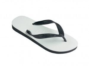 Siapa sih yang gak pernah pakai sandal jepit sandal yang paling banyak digunakan rakyat Indonesia ini ternyata memiliki beberapa bahaya dan resiko bagi para penggunanya. Nah kamu mau tahu bahaya dan resiko menggunakan sandal jepit simak 5 Bahay