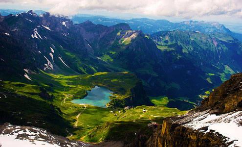 Swiss Adalah Salah Satu Negara Di Eropa Tengah Yang Mempunyai