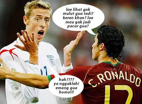 hahaha C.Ronaldo Homo Tuh...!!! WOW nya yah !
