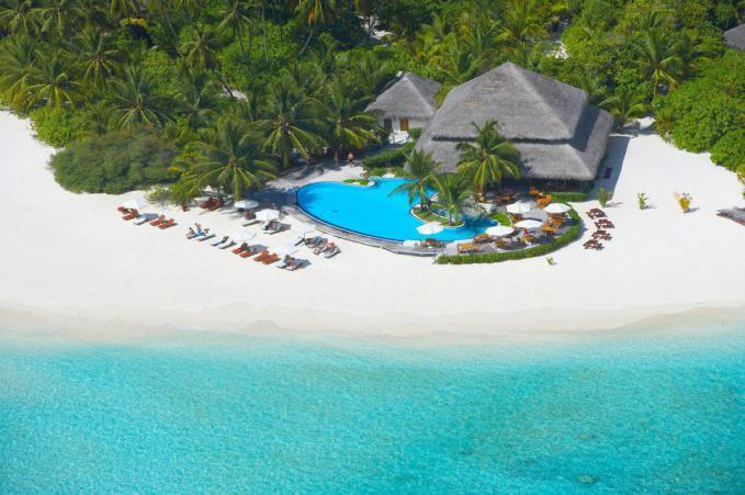 Sunset bar at Filitheyo Island Resort - Maldives
