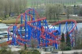 Superman: The Escape Superman: The Escape adalah roller coaster yang terletak di daerah Six Flags Magic Mountain di Valencia California, yang dibuka pada 1997. Roller coaster memanfaatkan Linear Synchronous Motors (LSM) sebagai pendorong.