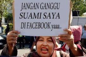 Dengngerin tuhsi Ibu marah2 gara suami nya di ganggu di Facebook WKWK Jangan Lupa Tekan Wow nya..