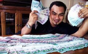 Dulu saya orang miskin, setelah saya pergi k klinik tong fang untuk nyuri. Saya dpat duit banyak, trima kasih klinik Tong Fang