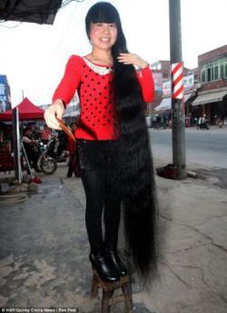 11 Tahun Tidak Dipotong, Rambut Wanita Ini Panjangnya 2 Meter