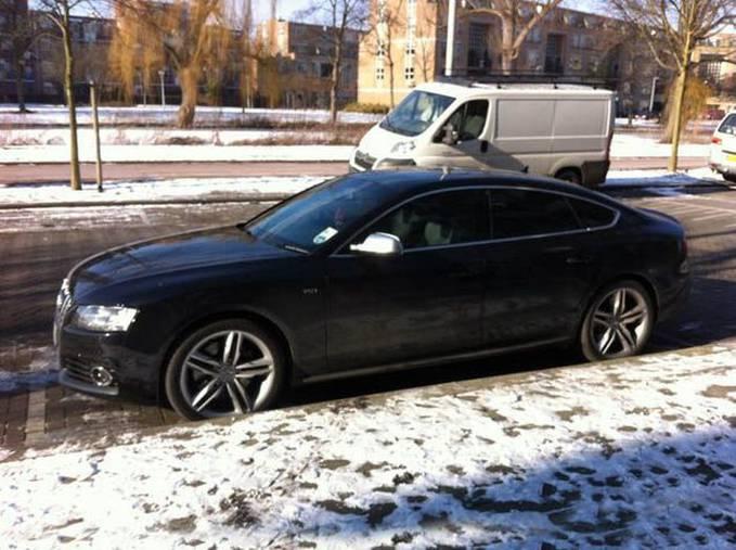 Robie Van Persie ? Audi S5 Sportback