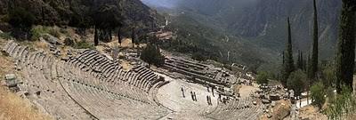 sebuah situs arkeologi dan sebuah kota modern di Yunani di selatan-barat Gunung Parnassus di lembah Phocis. Delphi adalah situs dari Orakel Delphi, peramal yang paling penting di dunia Yunani klasik, dan situs utama untuk penyembahan dewa Apoll