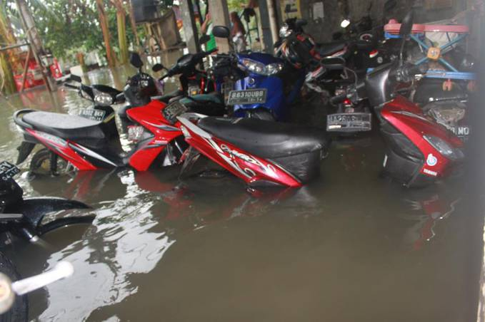 Motor amfibi... (Jakarta Only) :D