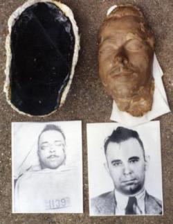 Kolektor terunik di dunia, mengoleksi topeng wajah orang yang telah meninggal