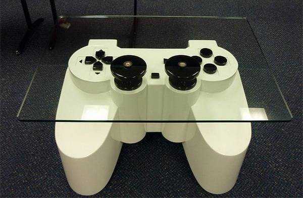 Meja unik cocok untuk para Gamers.. :D keren gan (y) =D