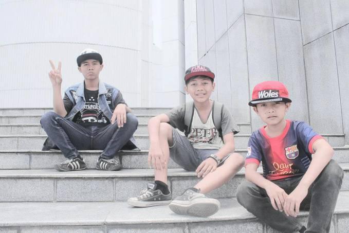 Nah Yg Pake topi woles Ganteng ga klo ganteng klik WOW Yah...