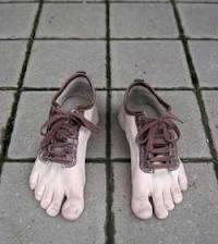 Hahahhaha model sepatu baru :D Wow y