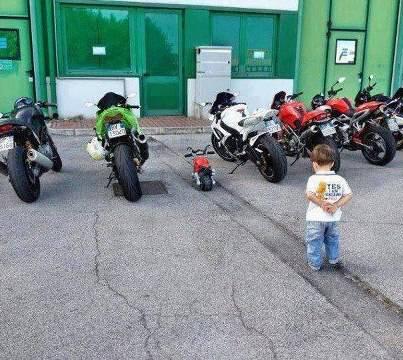 Siapa Yang Bilang Anak Kecil Ga Bisa Punya Motor Ninja Tekan Wow