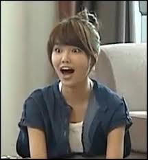 aaa..sooyoung ngangaaa, supaya sooyoung berhenti nganga wow dong!!!