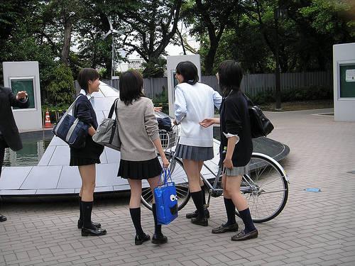 Astaga !......, Klo Di Jepang Ini Knpa Yach Diwajibkan Memakai Rok Mini Truzz Di Wajibkan Jga Gk Pke Celana Dalam?..... Ih !.... Klo Aku,Aku Gk Mau Skolah Lgi !....... WOW Nya Donk !............