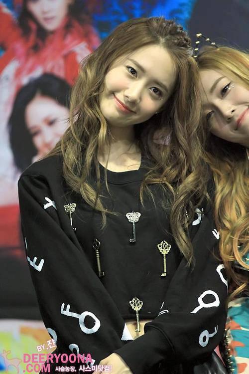 Yoona n Jessica SNSD