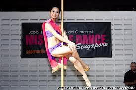Pemenang Miss Pole Dancing Singapore Yohanna Harso