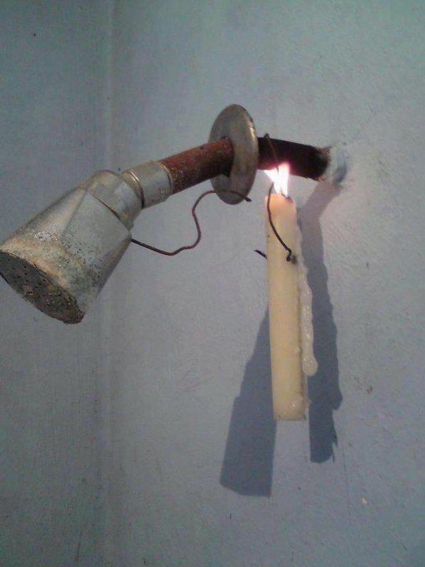 Cara tradisional mendapatkan mandi air hangat.