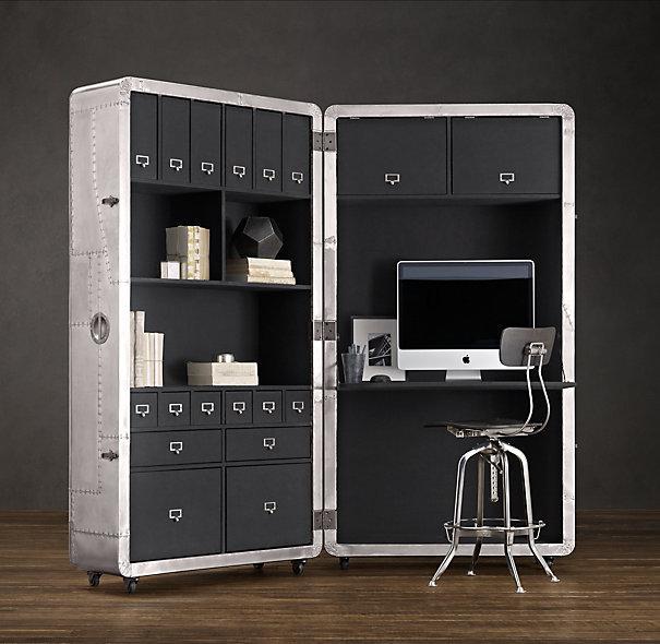 Ruang kerja portable.. Bisa dilipat jadi koper.. wow!