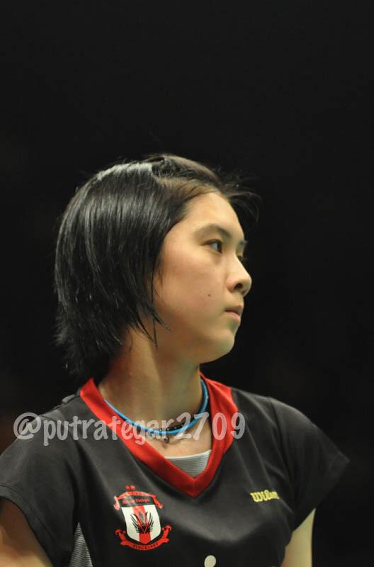 Nama :Aya Ohori Umur :16 tahun Club: Unisys Badminton Club (Jepang) Pemain :Tunggal Putri Rank Dunia 203