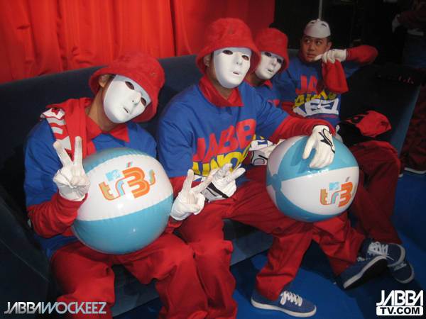 Jabbawockeez adalah kelompok Dance laki-laki. Kelompok ini berasal dari California. Genre mereka? Hip-hop. Mereka seharusnya menjadi tujuh tetapi tujuh anggota, Gary Kendell, meninggal tak lama sebelum mereka mulai tampil dalam pertunjukan.
