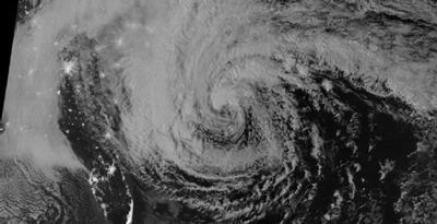 Badai Sandy tercatat sebagai badai dengan dampak terbesar di AS dalam 100 tahun terakhir. Mengapa badai ini tak biasa? jngn lupa klik wow