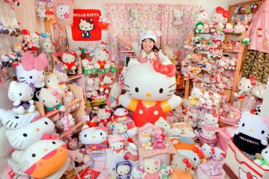 Asako Kanda ,kolektor boneka Helo Kitty terbanyak
