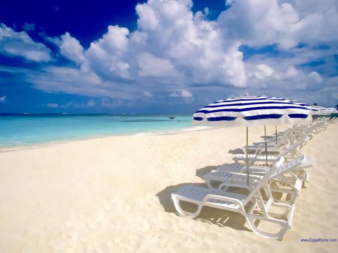 "Anguilla Beach adalah Peringkat pertama di top 10 World Best beaches of Discovery Channel Travel and Adventure. punya segalanya. Ketenangan, kebersihan, modern, lengkap dengan kehidupan pulau kecilnya yang benar-benar ""Carribean"""