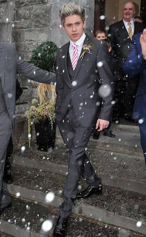 Niall di pernikahan abangnya,Greg,aduh..!makin ganteng aja bang Nayel nih!!!!!!!!!!!! >,