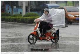 Asyek....jas hujan murah meriah